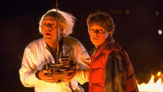 A Vissza a jövőbe című sci-fi vígjátékban Marty McFly szerepét alakította, mely egyszerre világhírűvé is tette. Ki ő?