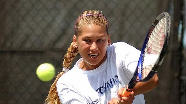Orosz születésű, hivatásos teniszezőnő. Martina Hingisszel párban, világelső is volt 1999-ben. Egyéniben a világranglistán a 8. hely volt a legjobb eredménye.