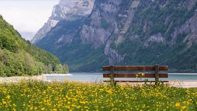A Genfi-tó a Balaton után, Közép-Európa második legnagyobb területű édesvizű tava. Hol található a Genfi-tó?