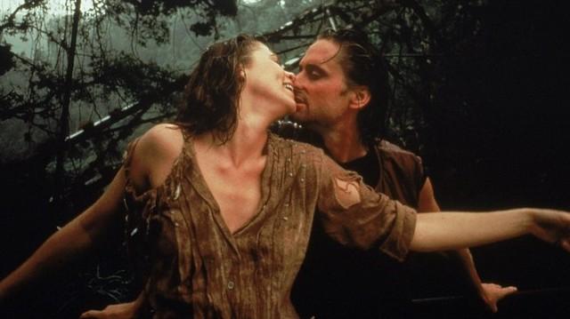 A smaragd románca című filmben ki volt Kathleen Turner partnere?