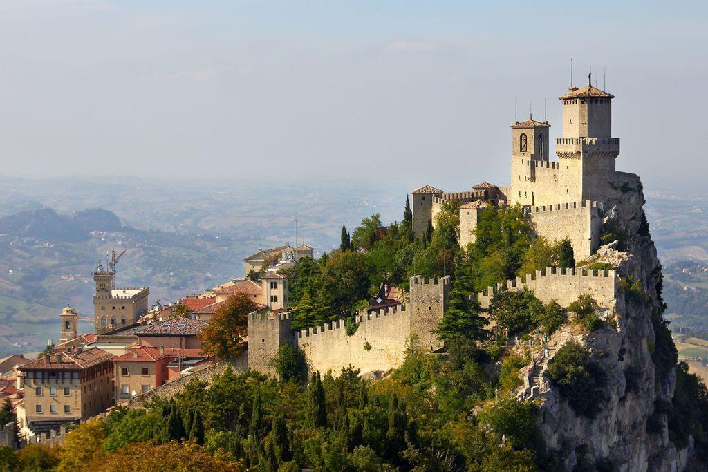 Mi San Marino hivatalos nyelve?