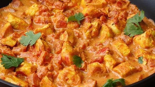 Ennek a konyhának a része a tikka massala elnevezésű fűszeres szósz?