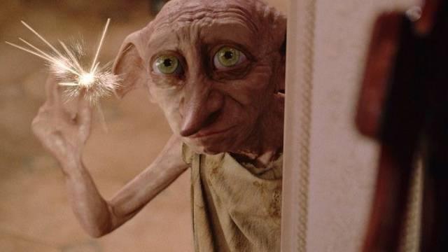 Harry ,miért fekszik a gyengélkedőn ? Azért ,mert Dobby...