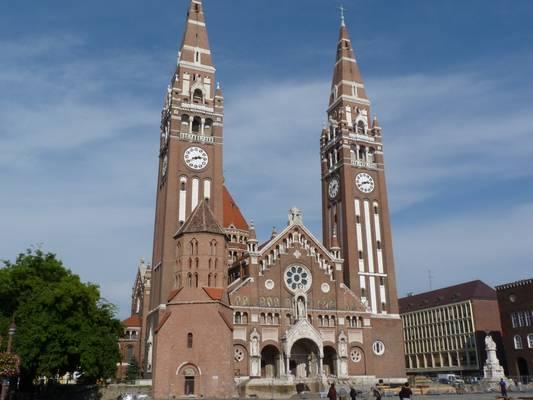 Ki tervezte a Szegedi Dómot?
