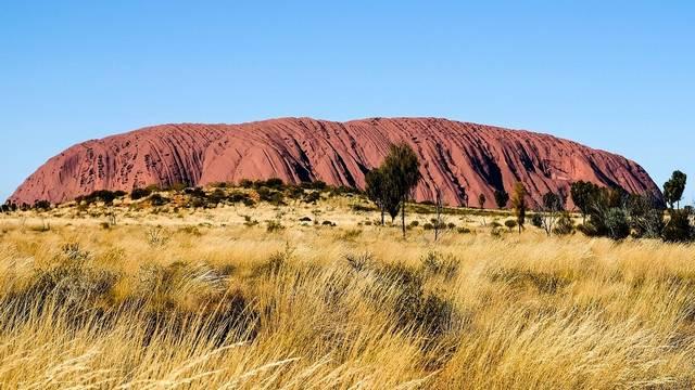 Melyikük fedezte fel Ausztráliát?