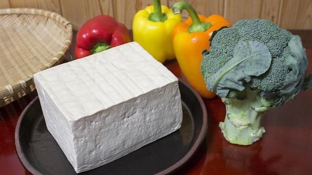 Mi a tofu alapanyaga?