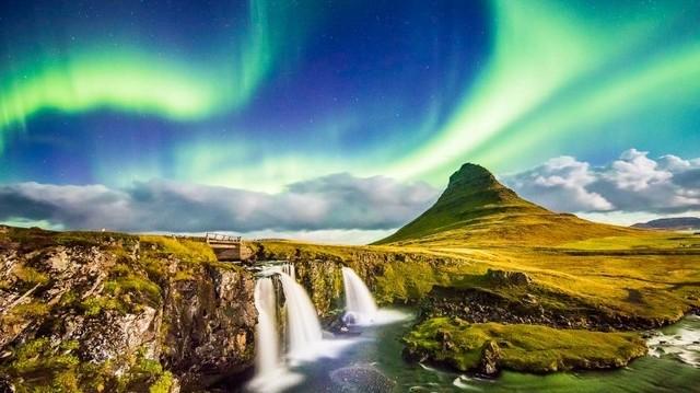 Melyik ország fővárosa Reykjavík?