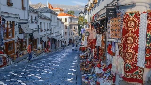 Mi a fővárosa Albániának?