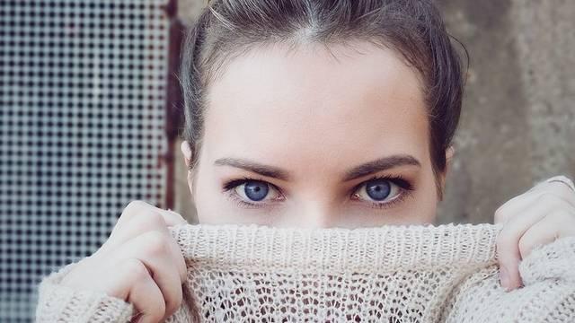 Miért ragasztottak a francia nők szépségtapaszt az arcukra?
