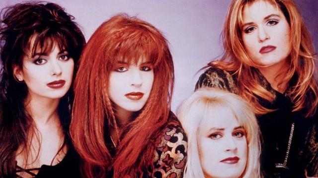 A felsoroltakból, melyik NEM kizárólag női együttes? Az egyik női együttes látható a fenti fotón.