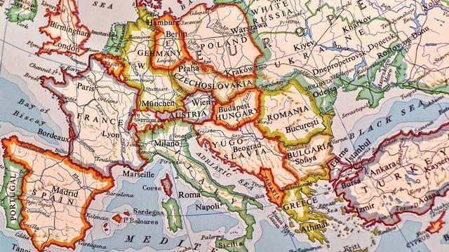 Az Európai Unió megalakulásáról 1992-ben írták alá a maastrichti szerződést. Hol található Maastricht?