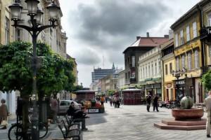 Egy magyar nagyvárosban (pl. Győr, Debrecen)