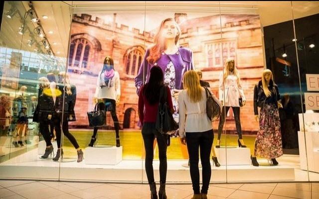 Milyen boltok kirakatait szoktad leginkább megbámulni?