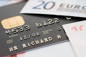 Külföldön készpénz, itthon bankkártya