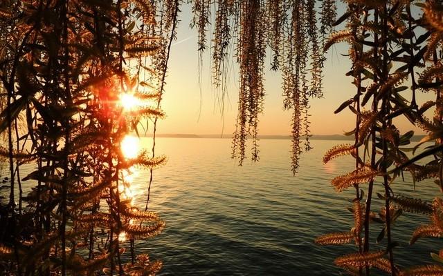 Zánka: A Balaton északi vagy a déli partján van?