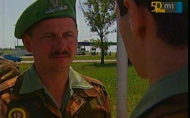 Hunyadi János főtörzsőrmestert, majd hadnagyot alakította ebben a sorozatban Usztics Mátyás. Mi volt a sorozat címe?