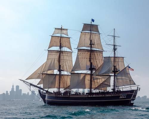 Egy másik híres XVIII. századi vitorlás a Bounty. Milyen vitorlázatot hordoz?