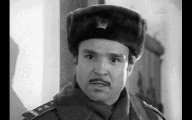 Fekete-fehér magyar krimisorozat, melynek egy híres rendőrkutya a főszereplője, társa Csupati őrmester, később törzsőrmester. Mi volt a televíziós sorozat címe?