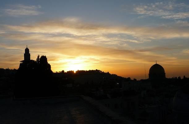 Jeruzsálem mely vallás(ok) központja?