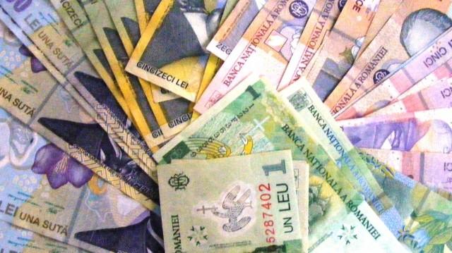 Melyik ország pénzneme nem rúpia ezek közül?