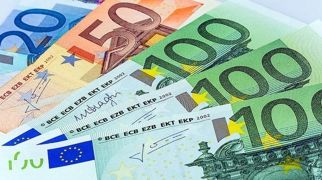 Mióta van forgalomban az euró, mint bankjegy?
