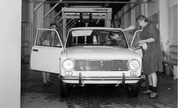 Milyen autó ez? (1972-as fotó: Fortepan, Unaterv)