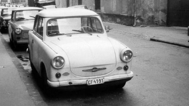 Milyen autó ez? (1980-es fotó: Fortepan, Nagy József)