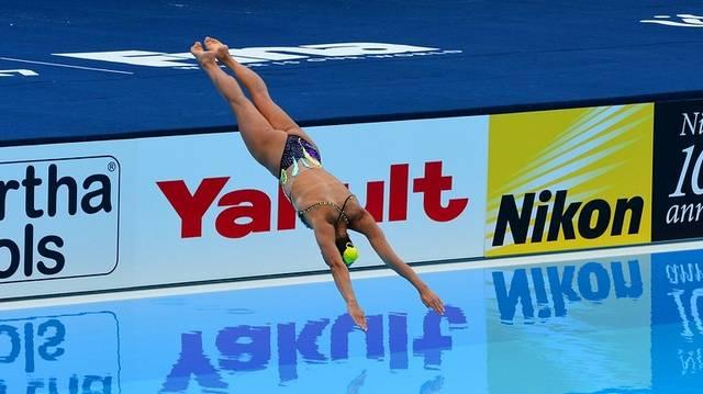 Melyik nem illik a sorba? Valamelyik vizes sporthoz kell.