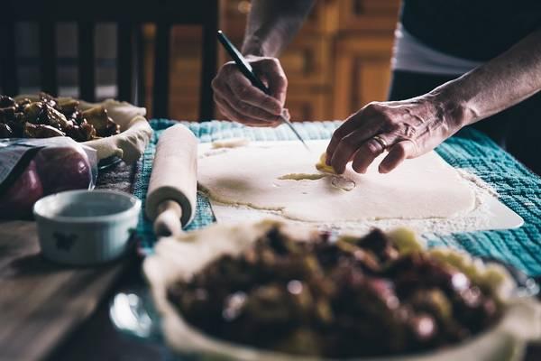 Mi az, amikor a levest, mártást vagy más ételt addig forralunk, amíg el nem éri a kívánt sűrűséget?