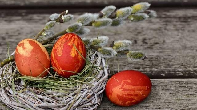 Valamelyik az alábbiak közül semmilyen formában sem kötődik húsvéthoz
