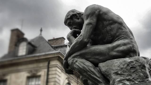 Auguste Rodin - Gondolkodó. Hol található ez a szobor?
