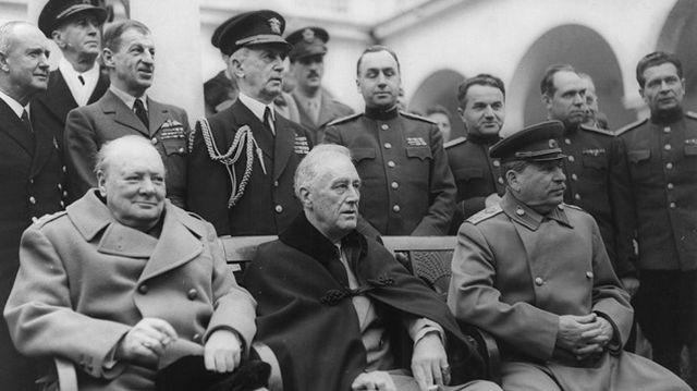 Ki mondta el 1946. március 5-én azt a beszédet, amelyet a hidegháború nyitányaként emlegetnek?