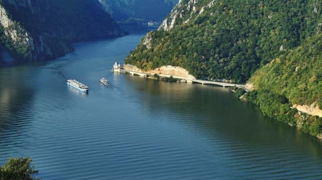 Melyik tengerbe ömlik a Duna?