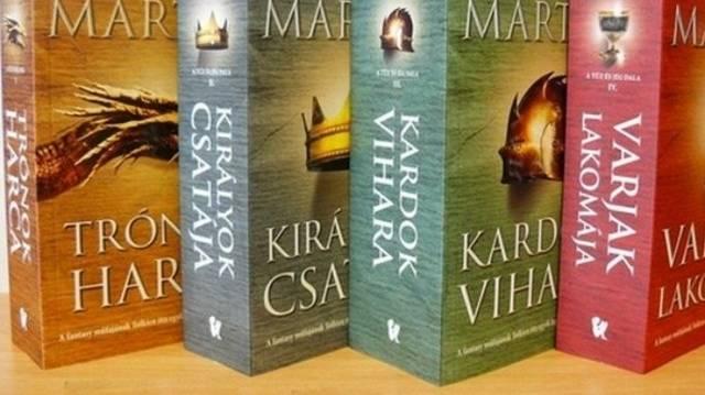 Ki írta a Trónok harca c. regényeket?