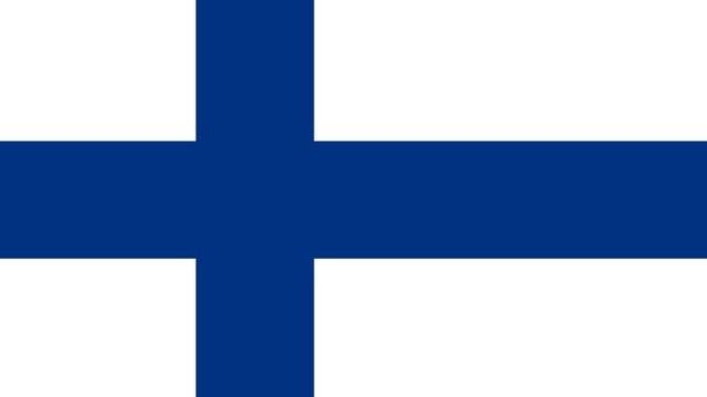 Melyik ország ez? Ez a zászlaja. Hivatalos pénzneme az euró, fővárosa Helsinki.