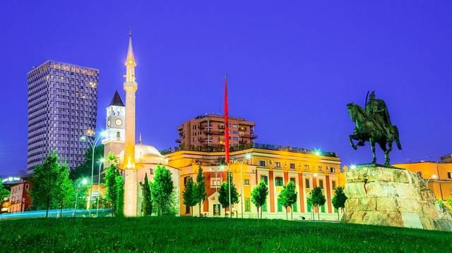 Mely ország fővárosa Tirana?
