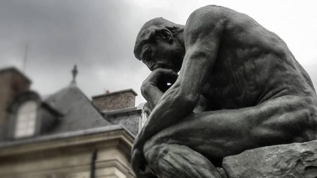 Ki készítette a Gondolkodó című szobrot?
