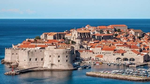 Május 30-a Horvátország államiság napja. Melyik nyaralóhely nem Horvátországban található?