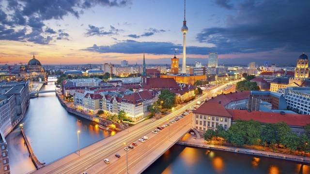 Hogyan hívják Berlin folyóját?