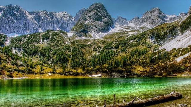 Lienz, Salzburg, Innsbruck - melyik országban találhatóak?