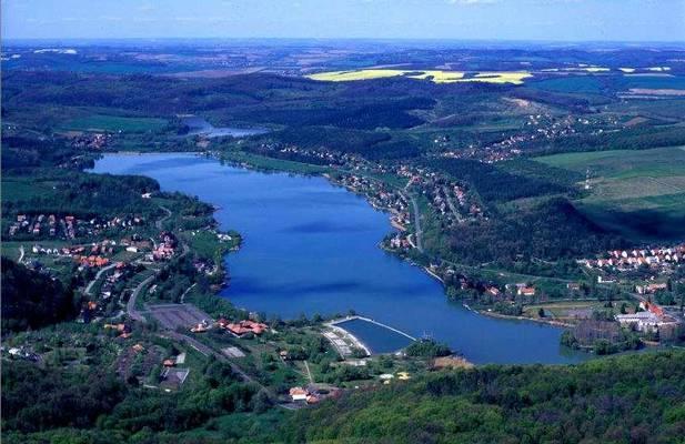 Melyik megyénkben található a Pécsi-tó?