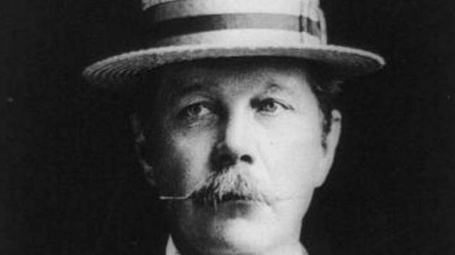 Melyik nyomozó eseteiről írt Sir Arthur Conan Doyle?
