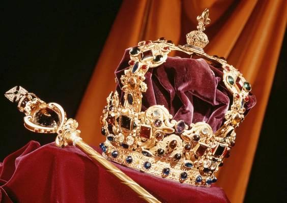 Hol őrzik a Brit koronaékszereket?