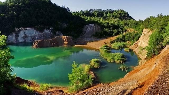 A Rudabányai-tó. Legnagyobb mélysége megközelíti a 60 métert, ezzel hazánk legmélyebb állóvizeként tartják számon.