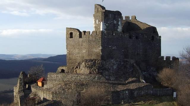 Ez a magyar falu világszerte ismert, hiszen az egyetlen hazai falu, amely szerepel az UNESCO világörökség listáján. (A fotó segítség!)