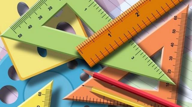 Egy háromszög egyik szöge 80, másik szöge 40 fokos. Hány fokos a harmadik szög?