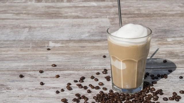 Melyik kávét szolgálják fel vaníliafagyival?