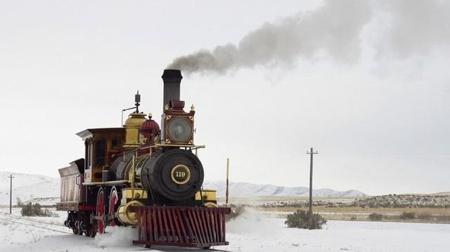 Kinek a tervei szerint készült az első hazai villamosított vasútvonal?