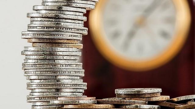 Melyik évben vezették be Magyarországon az új forintot?