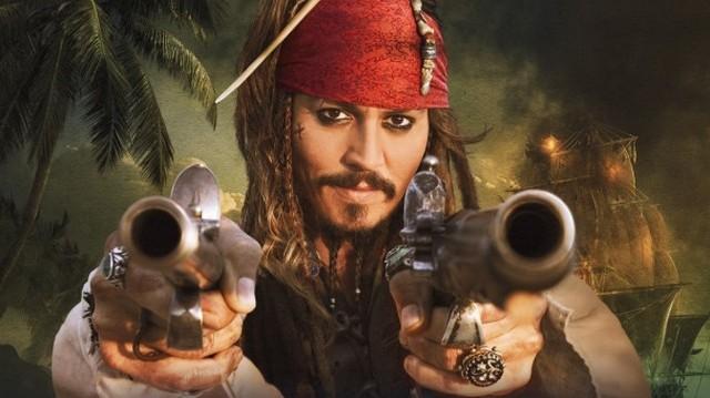 Ő játszotta A Karib-tenger kalózai kalandfilm-sorozatban Jack Sparrow kapitányt. Oscar-díjra háromszor jelölték. Ki ő?
